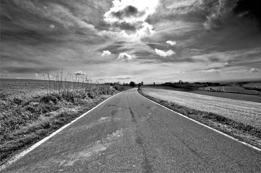 La-solitudine-della-Strada