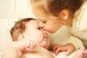 frati-copii-bebelus