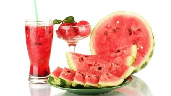 Detoxifierea-ficatului--6-sucuri-naturale-de-vara