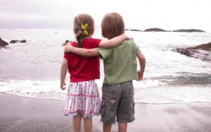 doi_prieteni