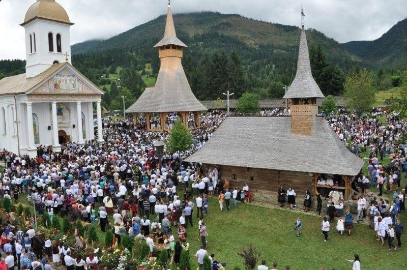 Sfânta Maria Mare, una dintre cele mai mari sărbători ale creştinilor. Tradiţii şi obiceiuri