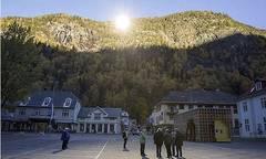 Satui-de-intuneric--locuitorii-unui-orasel-din-Norvegia-si-au-construit-propriul-soare