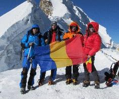 Trei alpinişti pietreni pornesc din nou spre o nouă expediţie în Himalaya
