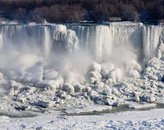 niagara-falls-frozen-solid