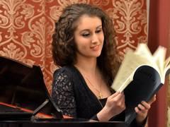 Viitorul-nostru-altfel--b--Pianista-care-incanta-lumea-in-ia-romaneasca