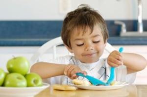 boy_eating_breakfast