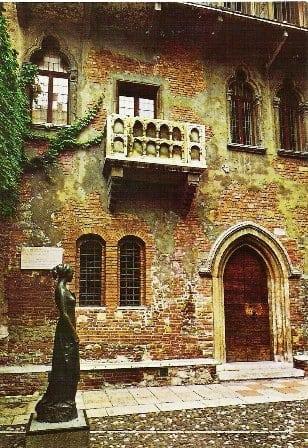 Casa Julietei n-a avut dintotdeauna balcon