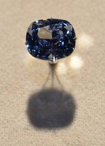 Blue Moon, un diamant albastru excepțional, menit să intre în istorie