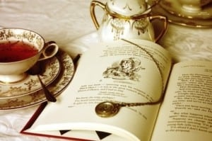 reading-tea-cup