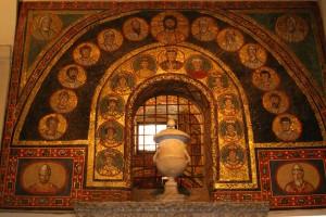 prassede-zeno-chapel-entrance