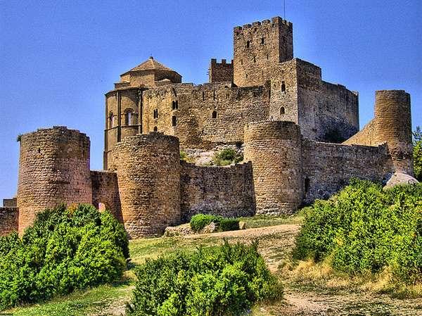 Castelul Loarre - Fortăreța mănăstire