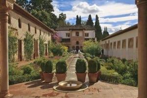 palatul-alhambra-din-granada-2_wpum