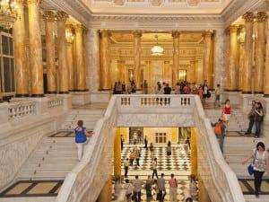 Scara Voievozilor din Muzeul National de Arta al Romaniei - Palatul Regal