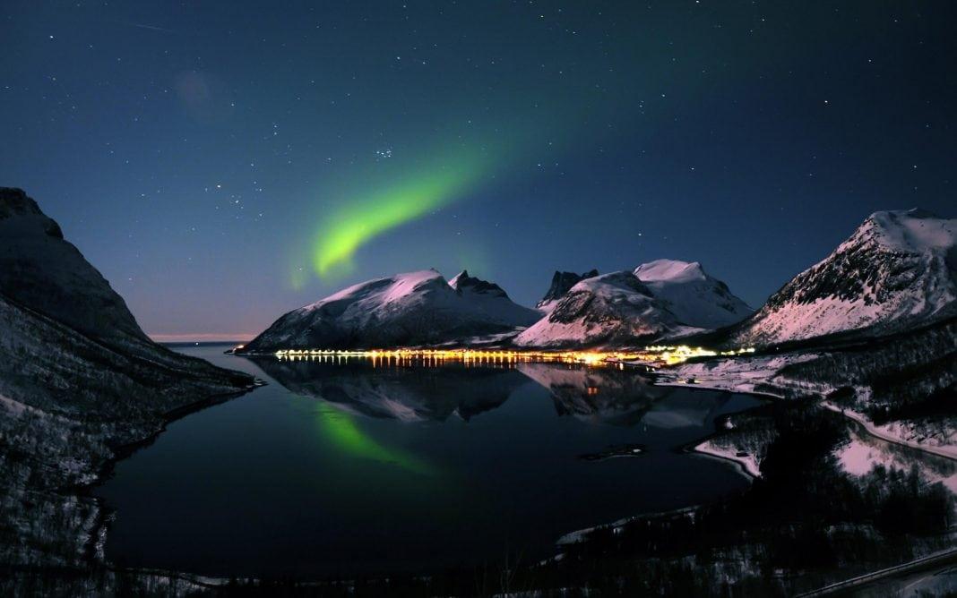 aurora-borealis-2880x1800