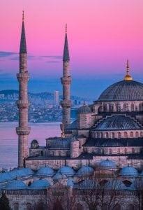 construcția unei biserici la Istanbul