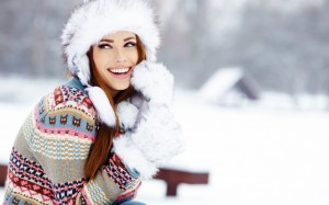 girl-woman-smile-winter-snow-fashion-wallpaper-1680x1050