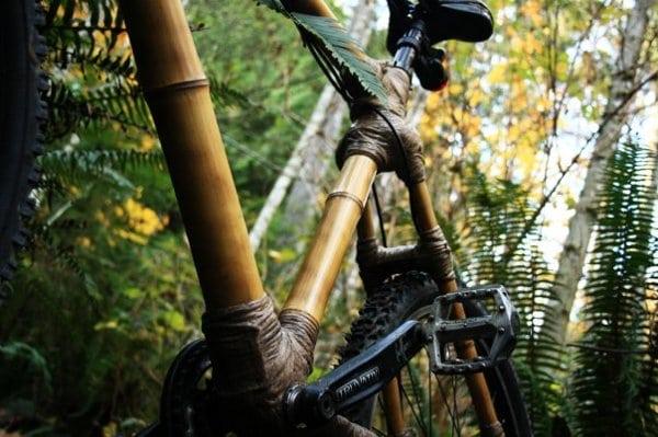 Bicicleta din bambus care generează energie electrică