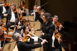 london_philharmonic_orchestra_avandu-l_la_pupitru_pe_vladimir_jurowski
