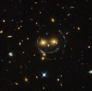 A smiling lens Hubble