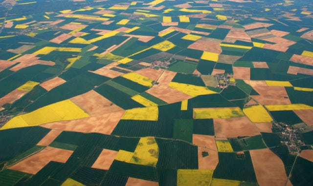 stunning_photos_taken_from_the_window_seat_in_airplanes_640_07