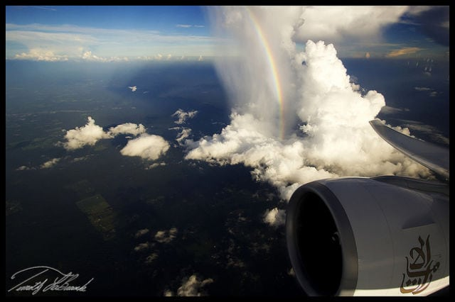 stunning_photos_taken_from_the_window_seat_in_airplanes_640_11