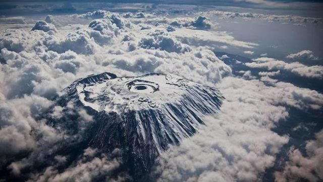 stunning_photos_taken_from_the_window_seat_in_airplanes_640_13