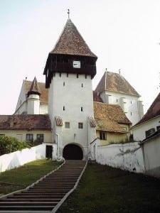 biserica-fortificata-din-bazna1