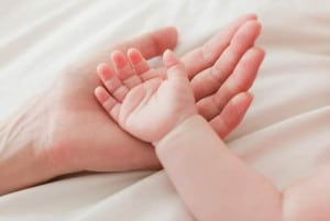 cum-ii-taiem-corect-unghiile-bebelusului