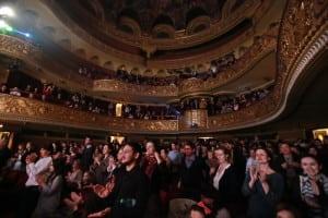 sala-teatru-aplauze