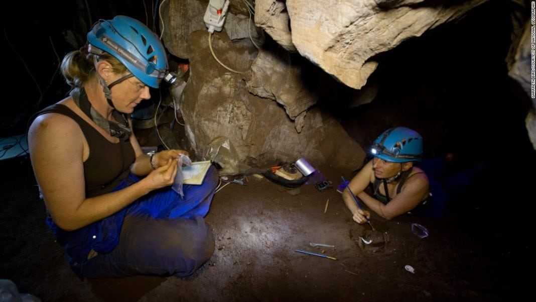 150910093923-restricted-homo-naledi-nat-geo-5-super-169
