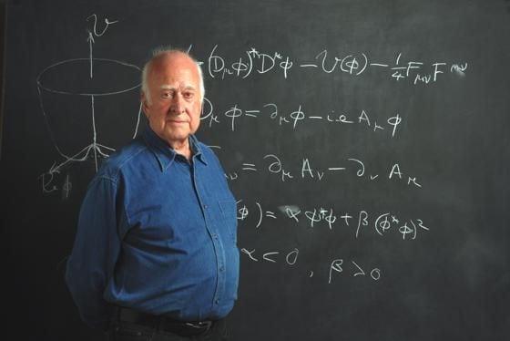 premiul-nobel-pentru-fizica-2013-acordat-pentru-descoperirea-particulei-lui-dumnezeu_size1