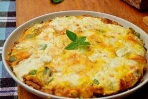 Din bucătăria veche românească: Omleta surpriză și Cârnați din pasere
