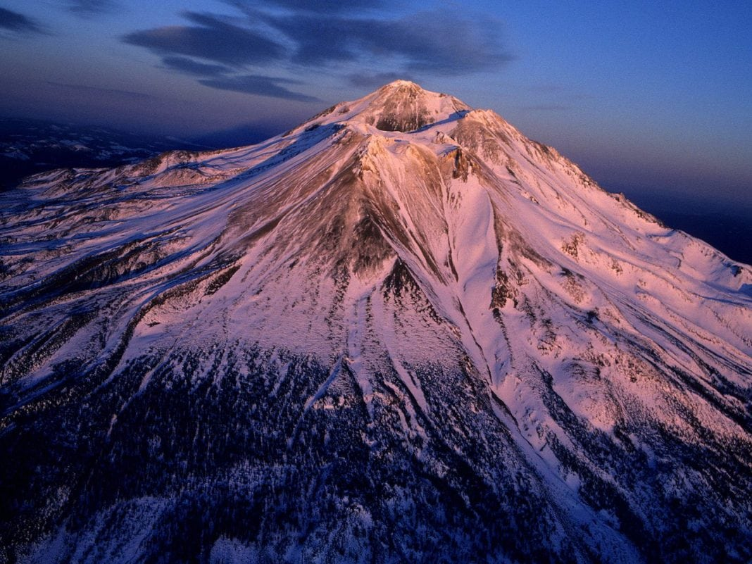 aerial_view_of_mount_shasta__california