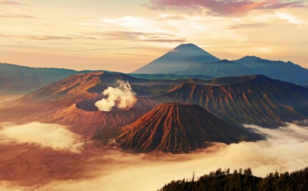 indonezia-vulcani-munte