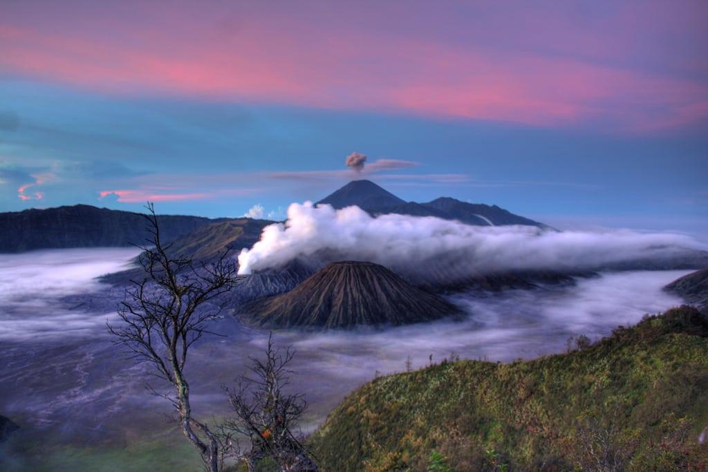 vulcani-indonezia