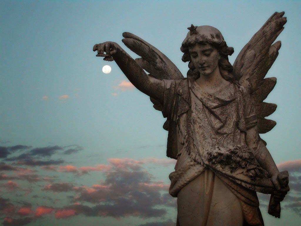 Angel_Statue_