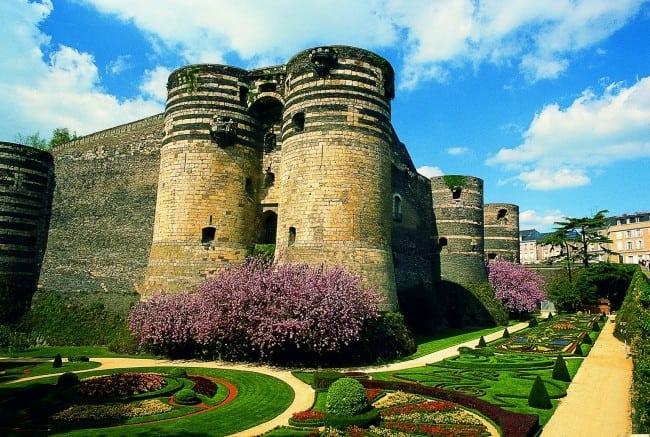 Angers_Castle-1g57qw9