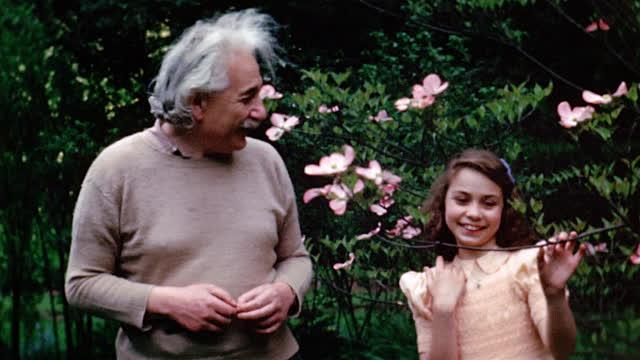 Einstein-niña1