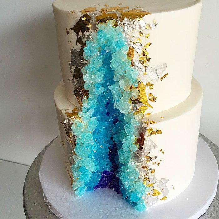 amethyst-geode-wedding-cake-trend-5-57833e12b57dd__700