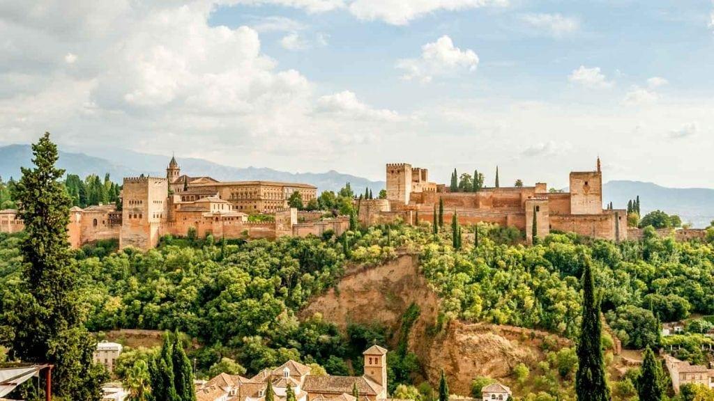 granada-alhambra-1500x850__4_