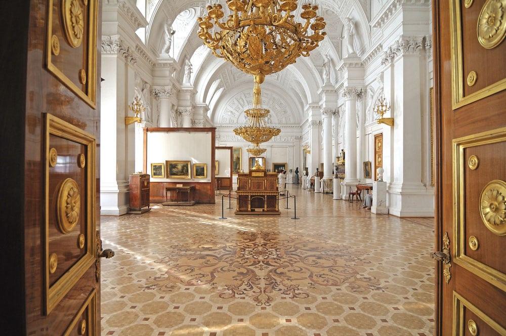 rusia-st-petersburg-st-petersburg-palat-iarna-st-petersburg-muzeu-ermitage_mhha