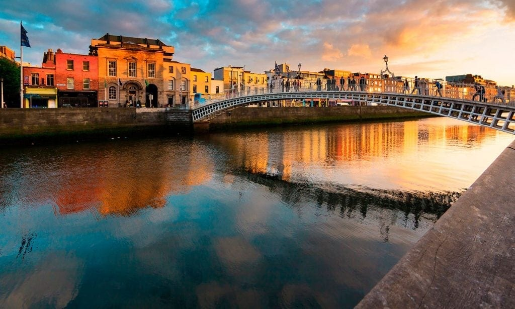 dublin-top-ten-hapenny-bridge-bg