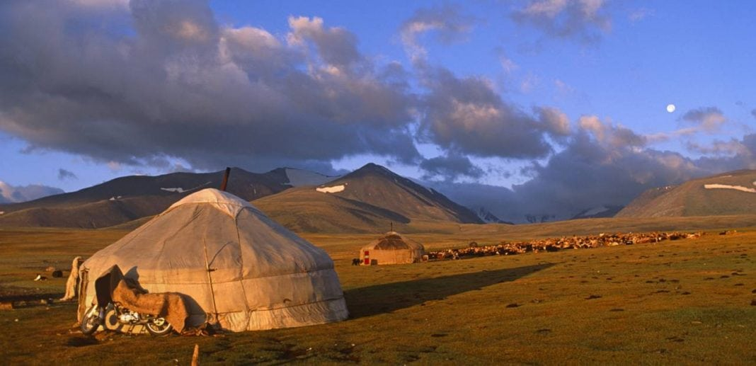 mongolia-shaman-horse-trek-01