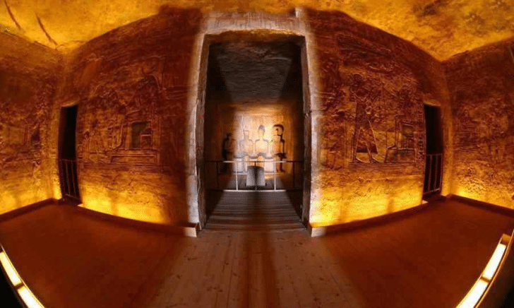 Sun-Shining-in-Abu-Simbel-Temple-728x436