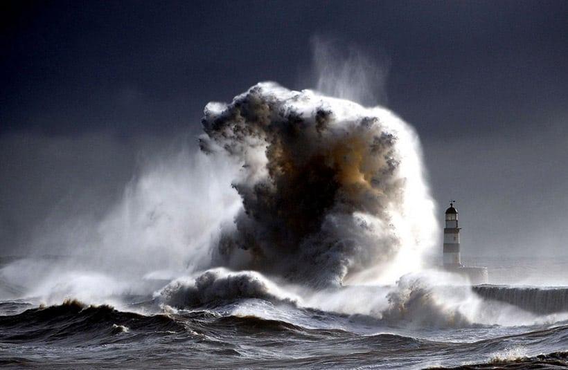 valuri-monstruoase
