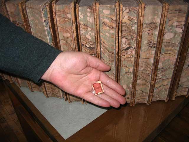 Colecție de cărți în miniatură