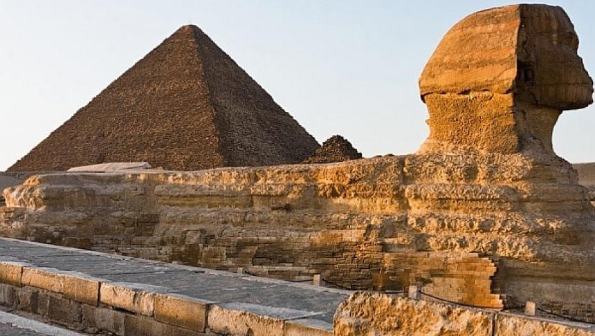 piramida-sfinxul