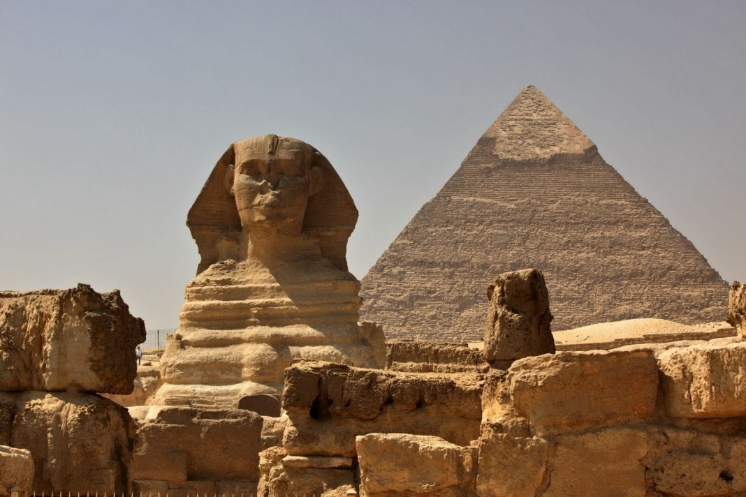 the-great-sphinx-of-giza-in-egypt-with-the-pyramid-of-khafra-in-the-background-1600x1066