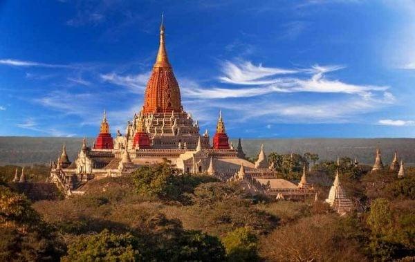 ananda-pagoda-bagan-myanmar-19187230