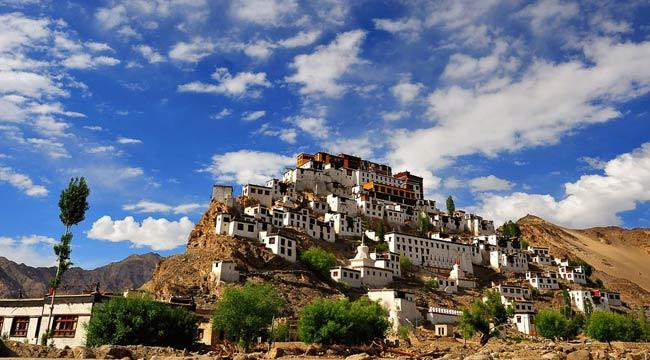 1413165356_motociclo-avventura-tour-in-himalaya